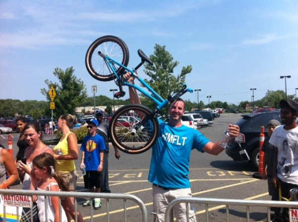 Jason drove 3 hours to watch the demo and ended up taking home the complete Flatware bike!